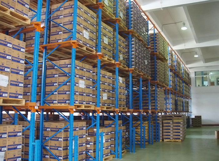 What Racks and Equipment Are Needed In the Medical Warehouse?