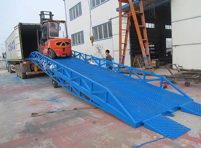 Portable Loading Dock Ramp for Forklift