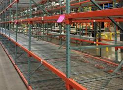 Teardrop Pallet Racking for Heavy Duty Warehouse Storage